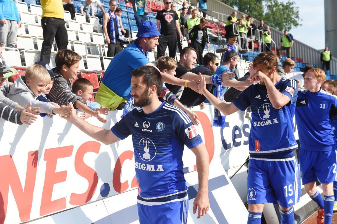 Zklamaní fotbalisté klubu SIgma Olomouc