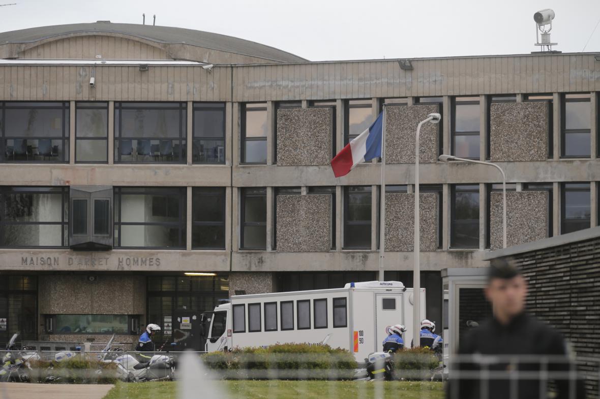 Věznice Fleury-Mérogis, ve které je Abdeslam držen