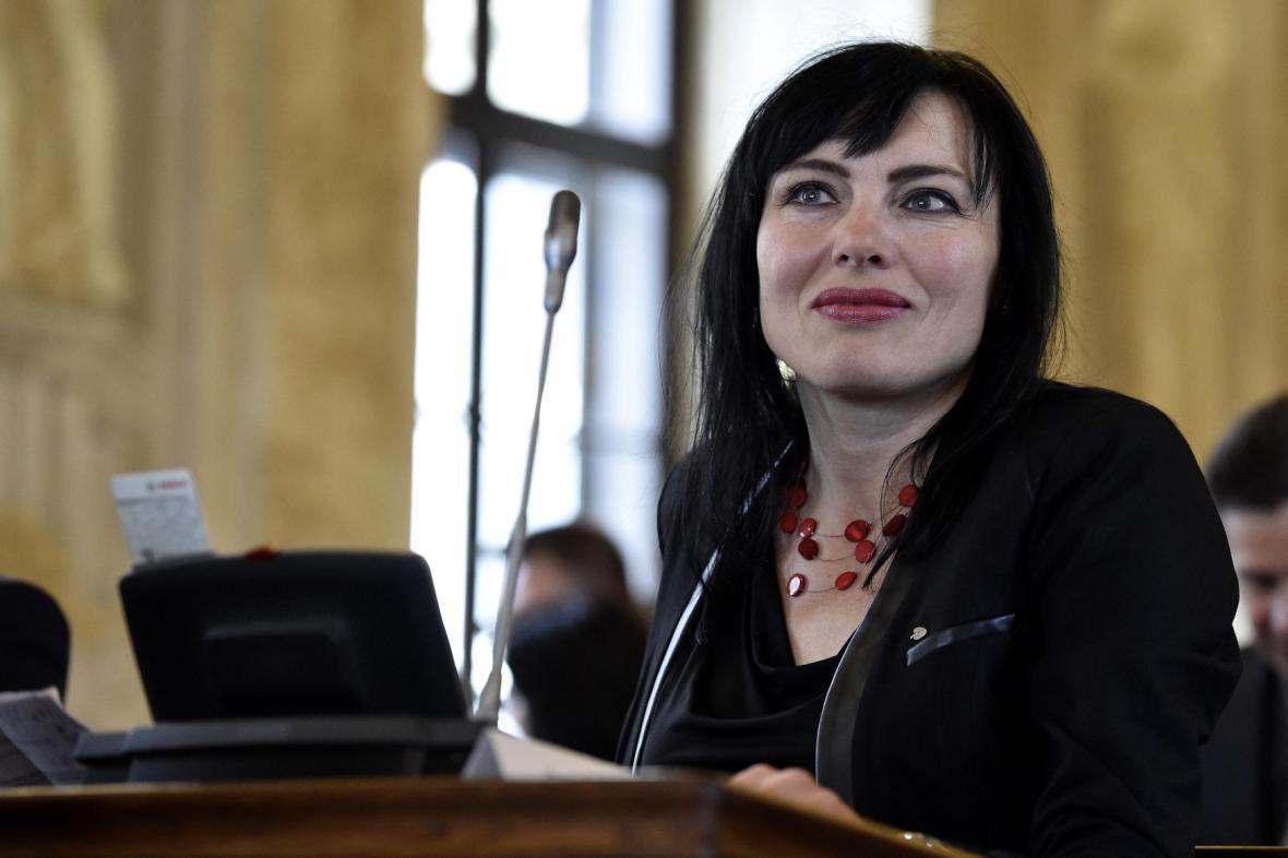 Bývalá náměstkyně brněnského primátora rezignovala na své funkce v KDU-ČSL. V zastupitelstvu zatím zůstává