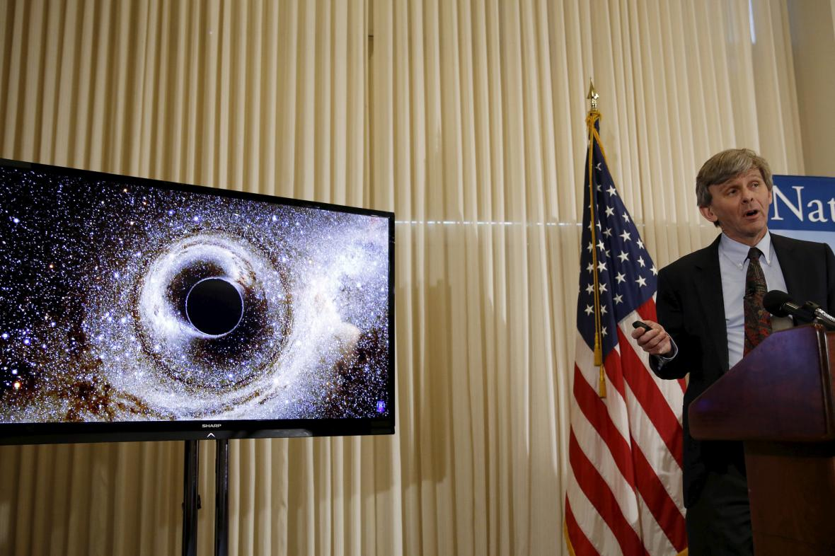 Šéf laboratoře LIGO sděluje detaily druhého pozorování vln