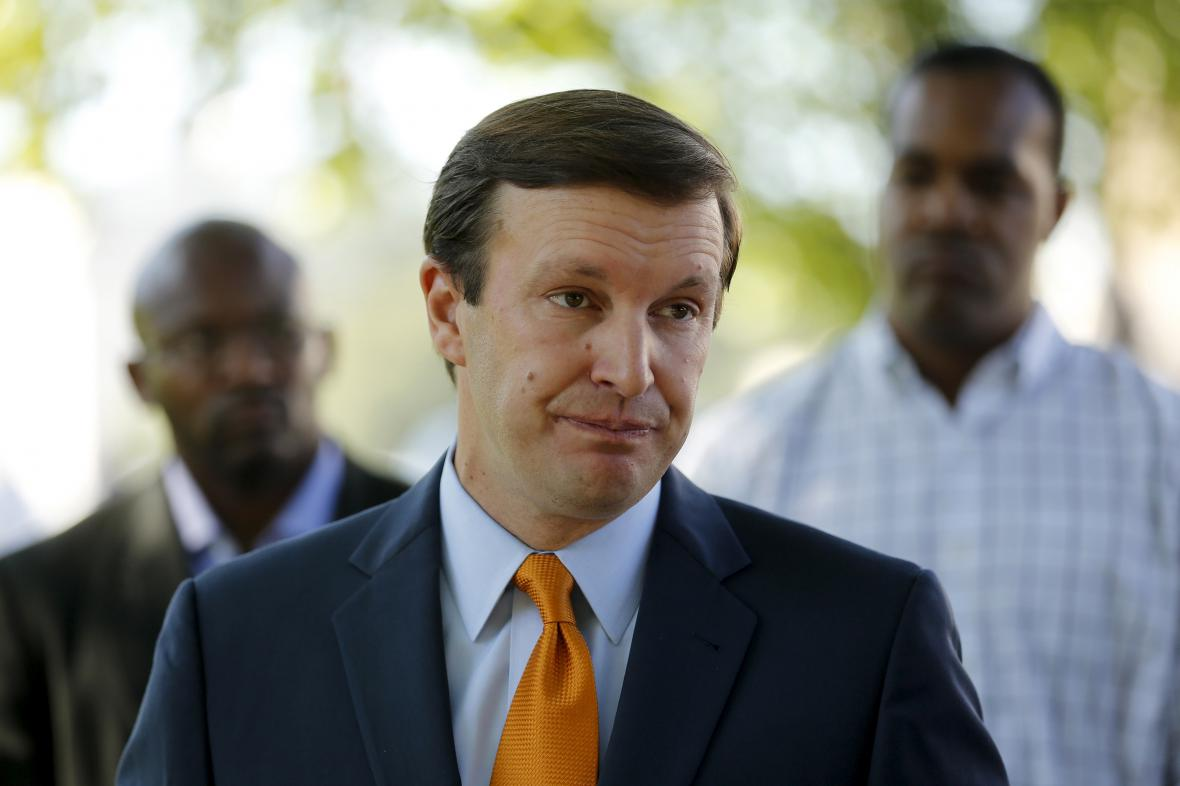 Senátor Chris Murphy chce vydržet u pultu, dokud Kongres nenajde shodu