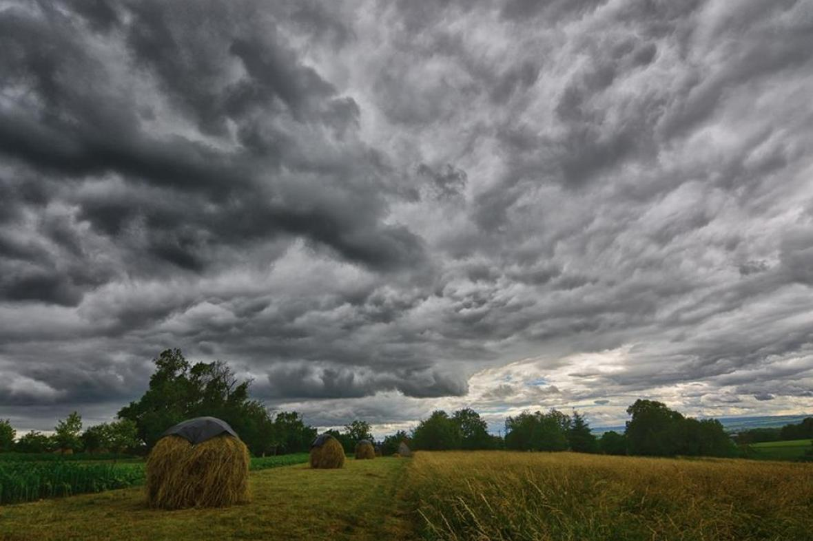 Přes Česko se přehnaly další bouřky
