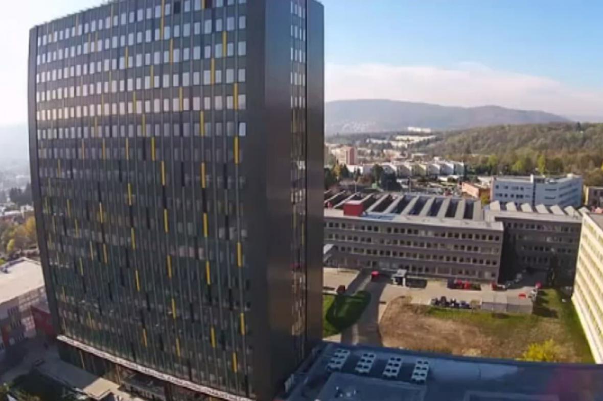 Nově opláštěná výšková budova VUT