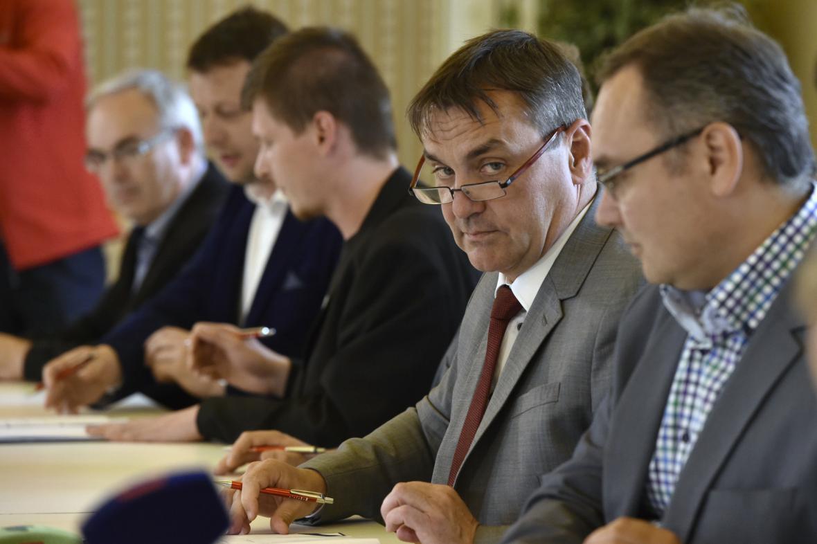 Vedení města Brna při podpisu koaliční smlouvy