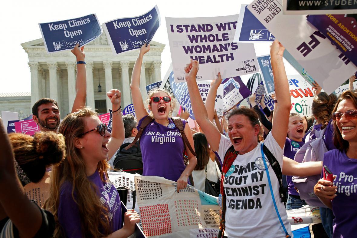 Aktivistky za zrušení texaských zákonů proti interrupčním klinikám