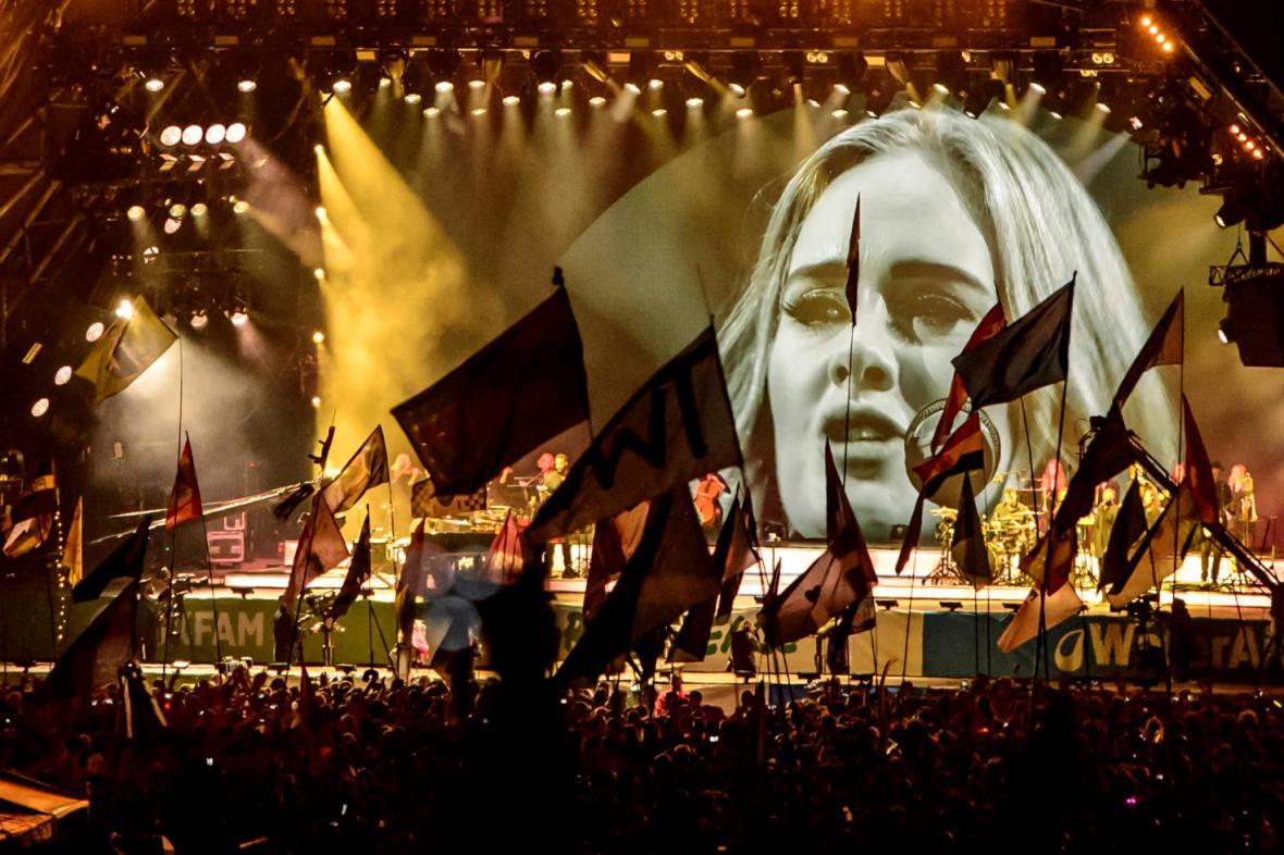 Koncert Adele v Glastonbury