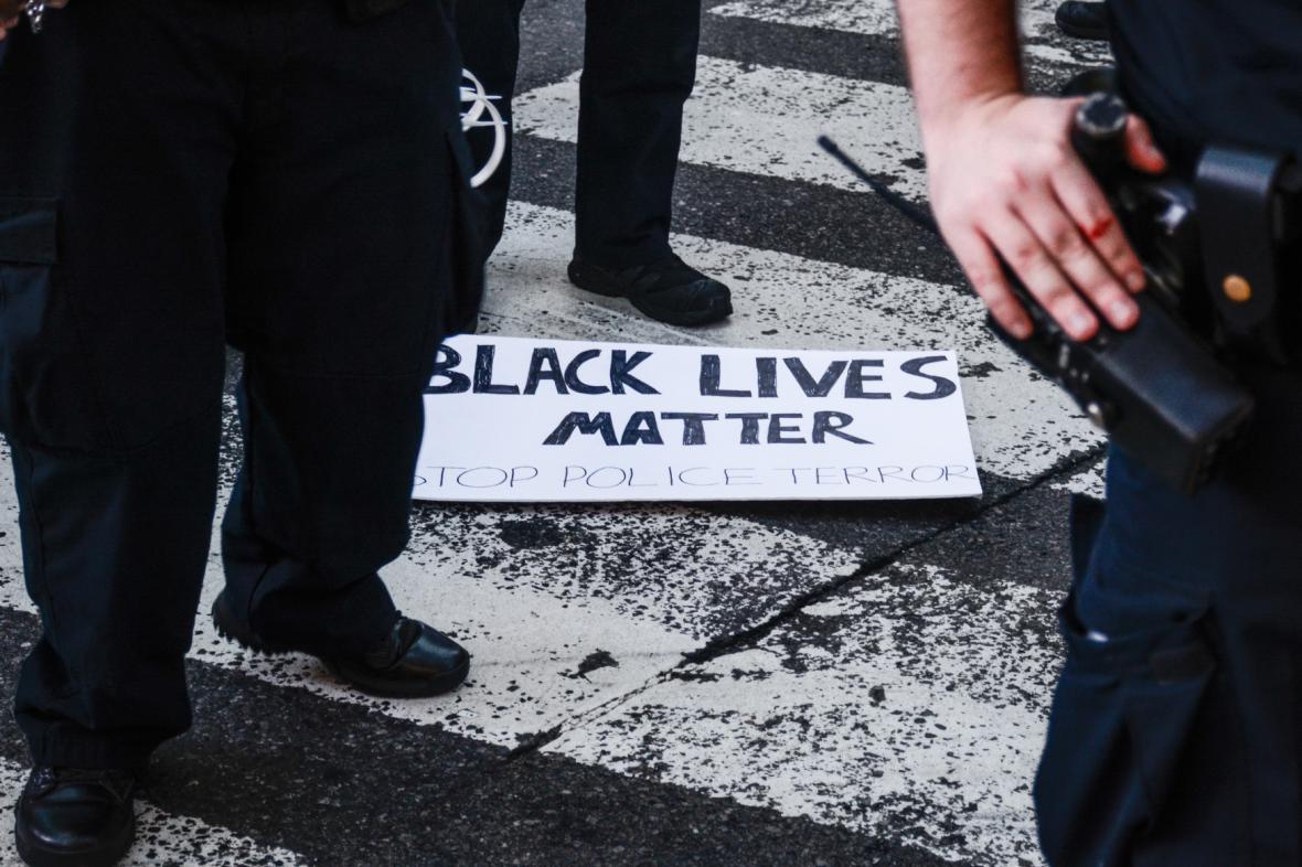 Protesty proti policejním zásahům proti černochům v New Yorku