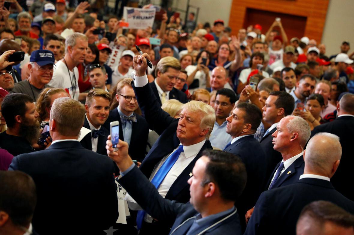 Donald Trump a jeho republikánští příznivci