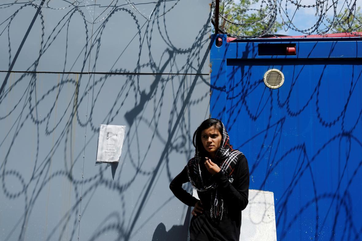 Migranti čekají poblíž srbsko-maďarské hranice