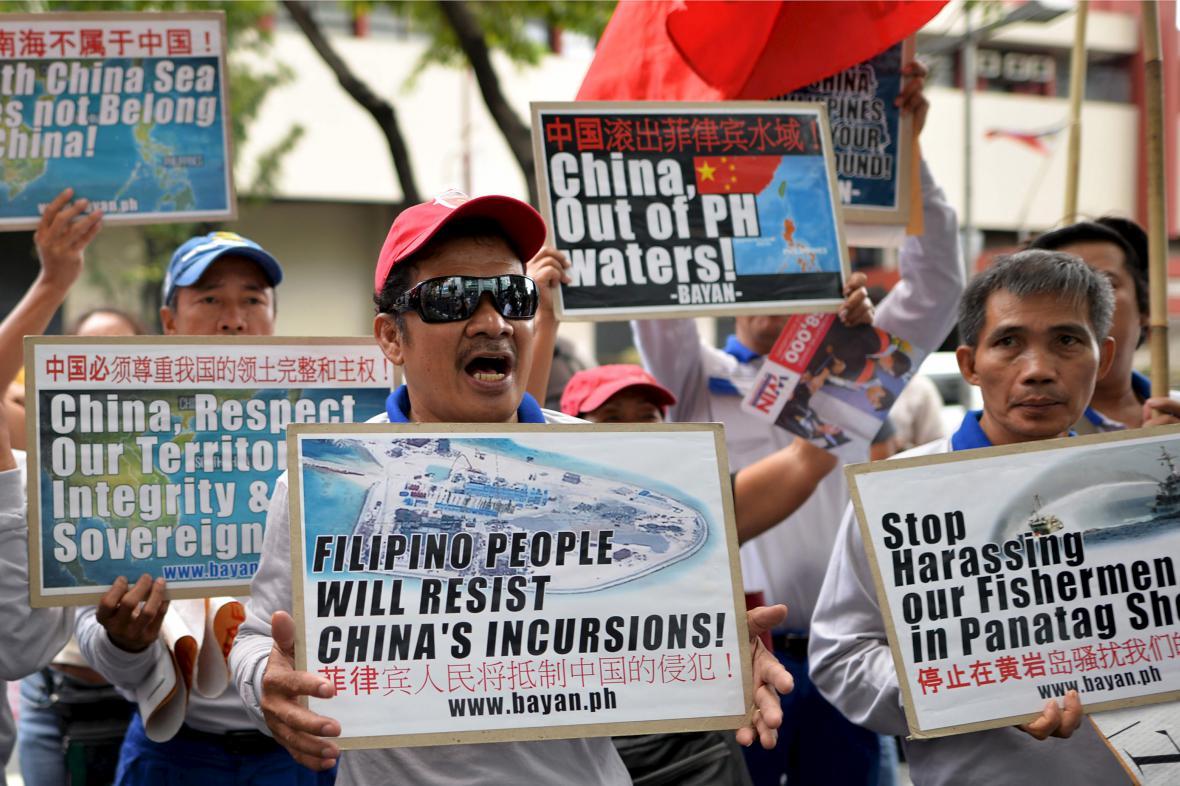 Filipínci protestují proti čínské expanzi v moři