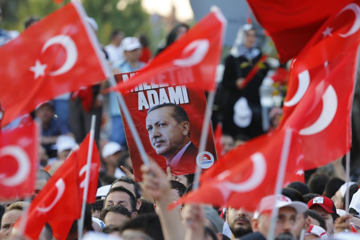 Shromáždění na podporu prezidenta Erdogana