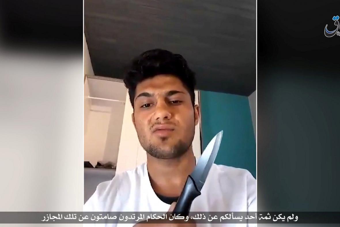 Muž, který podle videa zveřejněného Islámským státem útočil v Německu