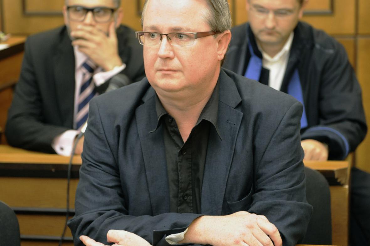 Ústavní soud zrušil trest pro soudce Matulu