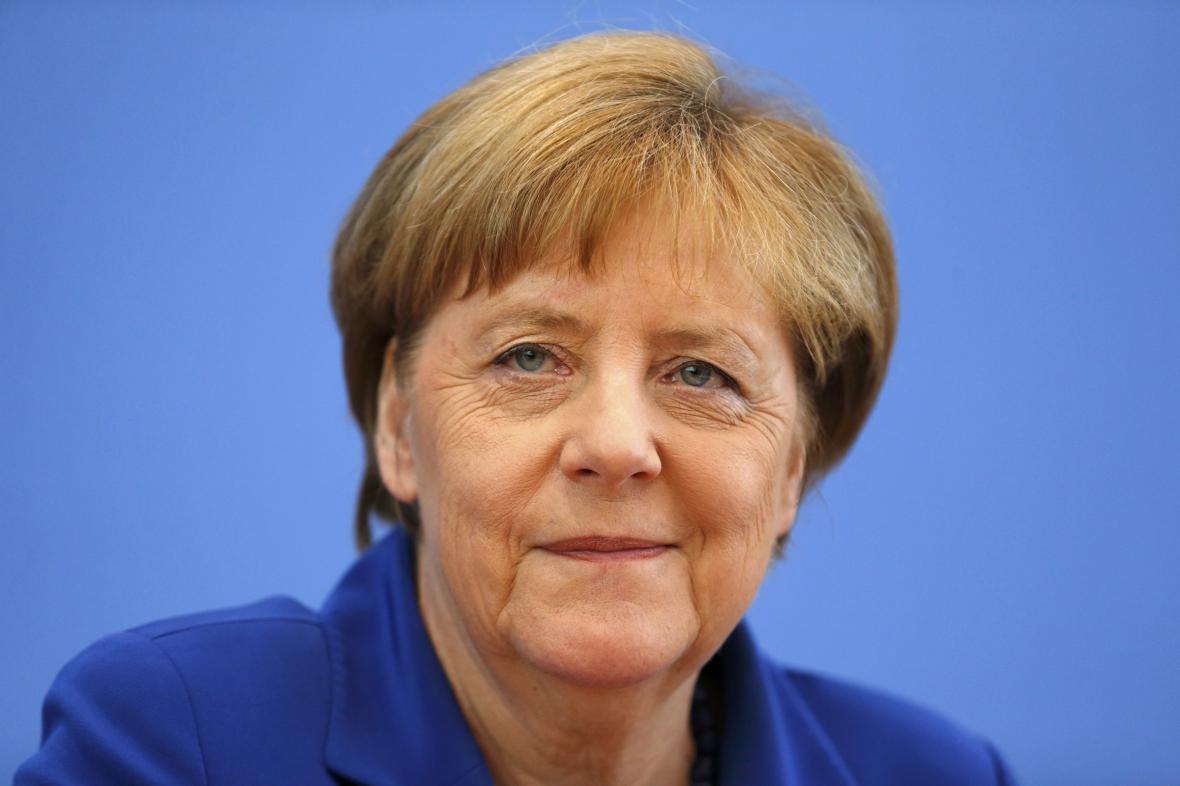 Angela Merkelová na tiskové konferenci v Berlíně