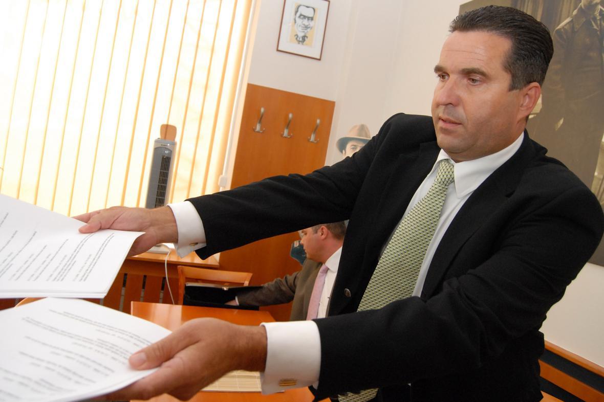 Bývalý senátor Vlastimil Sehnal připravil Lipůvku, ve které byl starostou, o sedm set padesát tisíc korun
