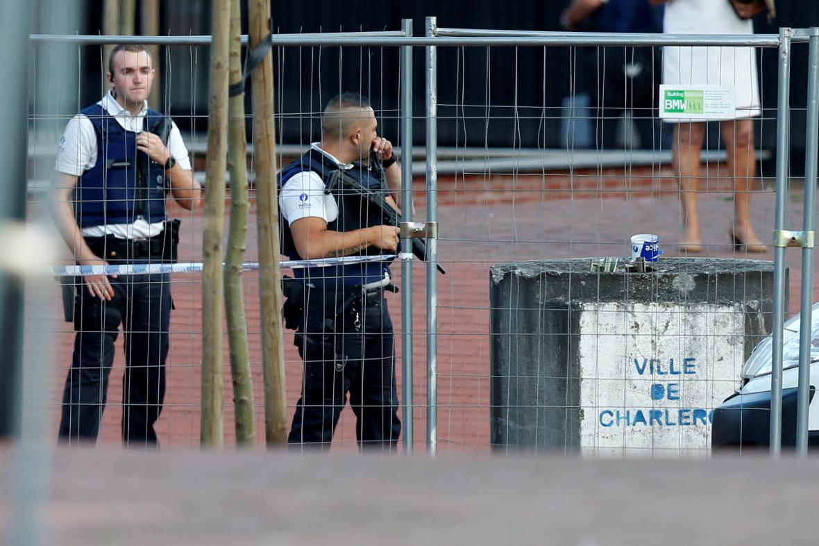 Policisté na místě útoku v Charleroi