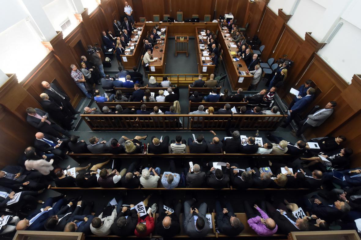 V budově Krajského soudu v Ostravě probíhá schůze věřitelů OKD.