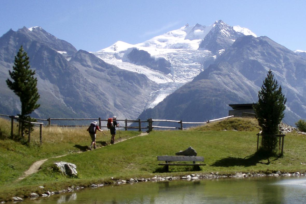 Hora Dom ve švýcarských Alpách