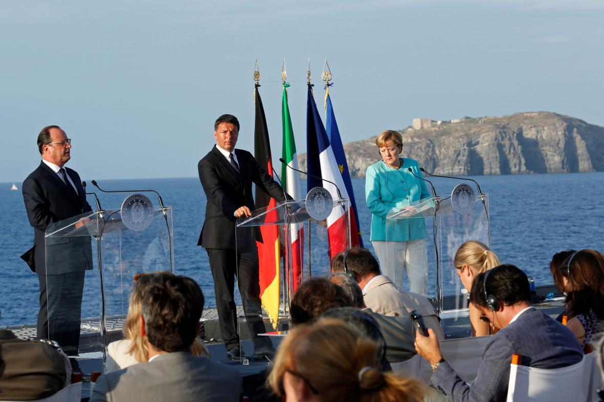 Brífink Renziho, Hollanda a Merkelové na lodi Ventotene