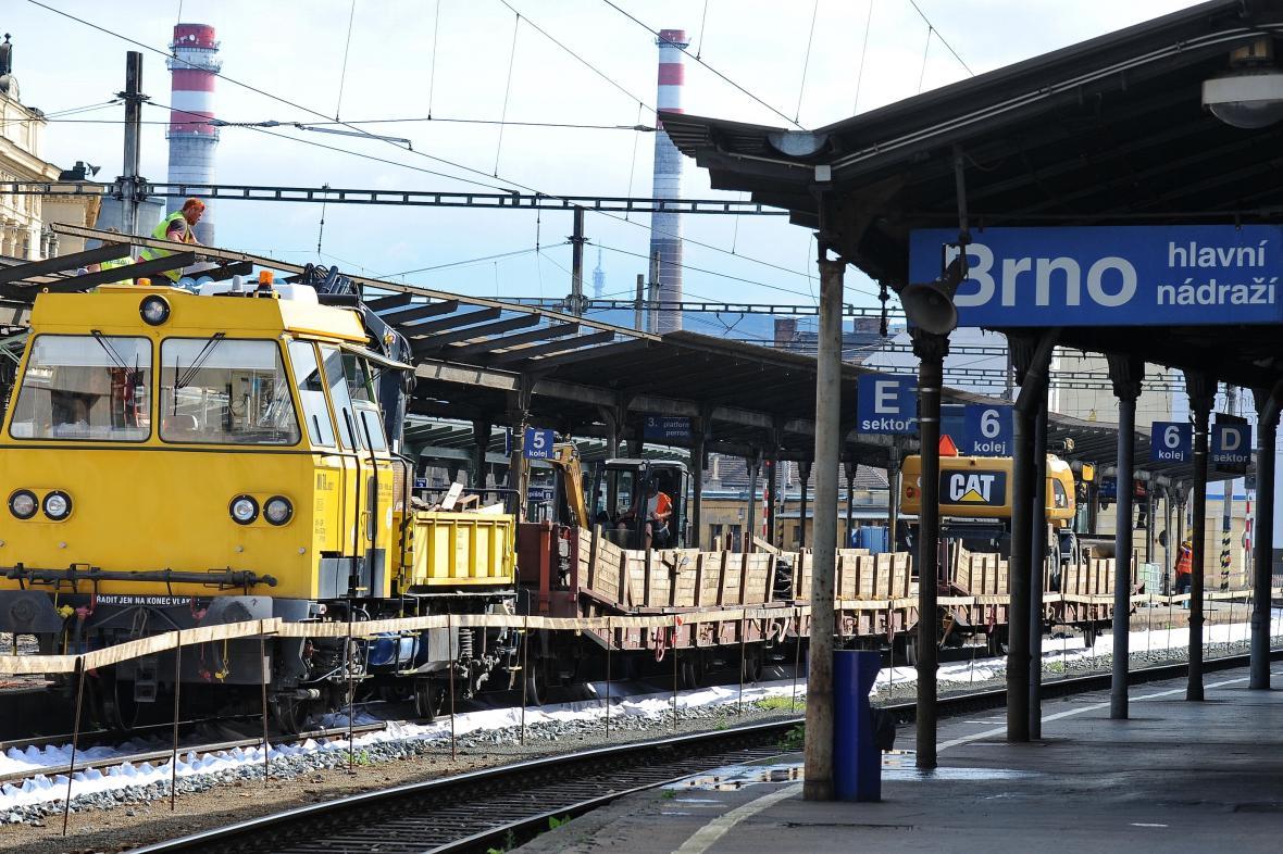 Rozjíždí se kampaně upozorňující na referendum o poloze nádraží