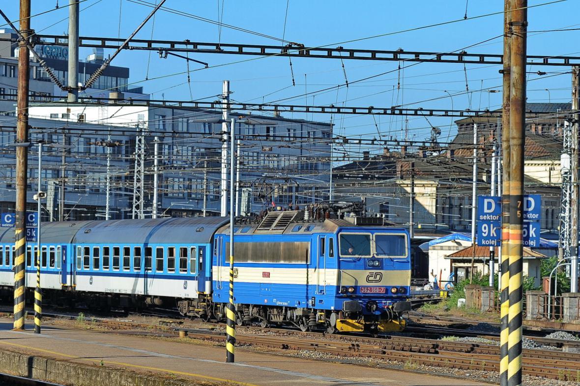 Do referenda o poloze hlavního nádraží v Brně zbývá měsíc