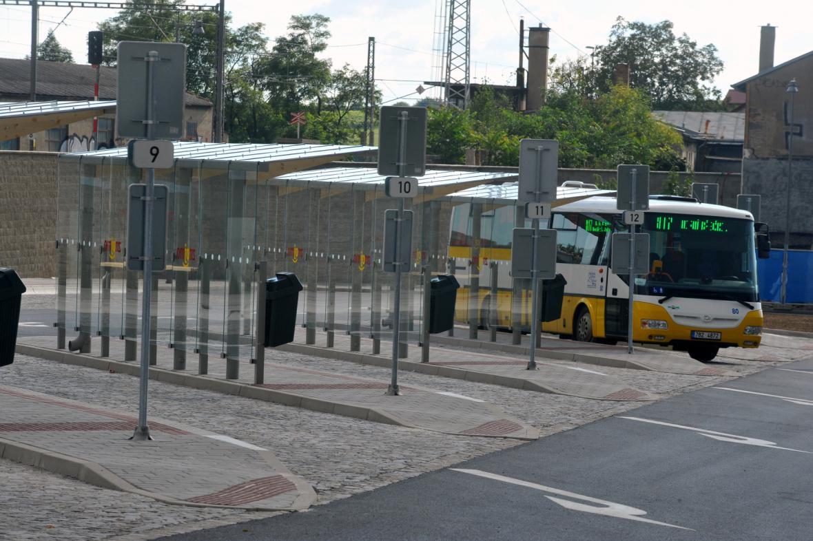 Řidiči autobusů ve Znojmě zatím stávkovat nebudou