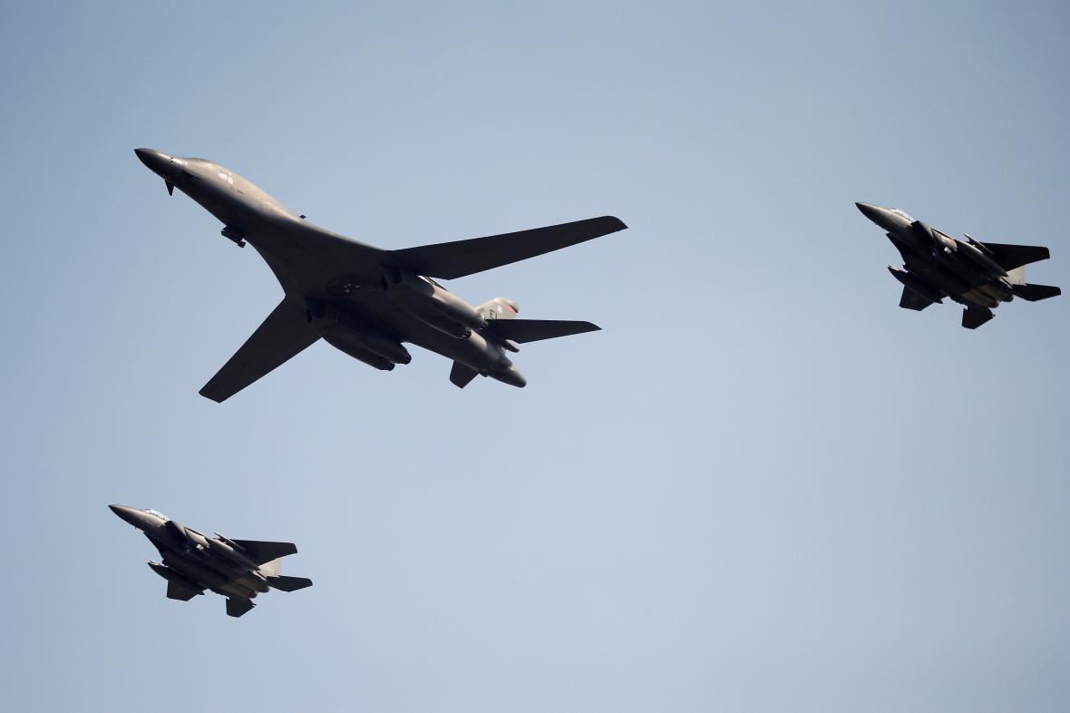 Bombardér B-1 jako odpověď provokacím ze strany KLDR