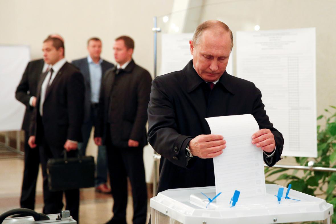 Ruský prezident Vladimir Putin volil v Moskvě