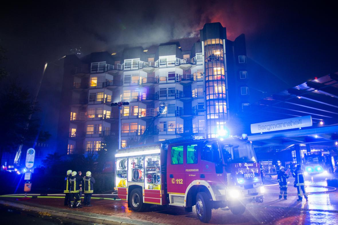 Požár nemocnice v německé Bochumi
