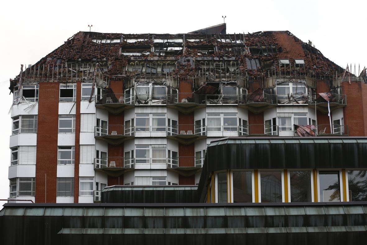 Nemocnice v Bochumi po požáru.