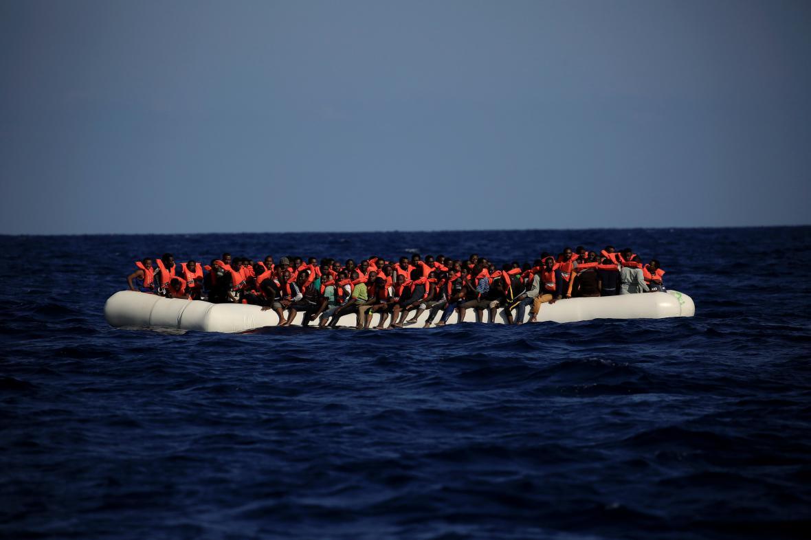 Uprchlíci ve Středozemním moři