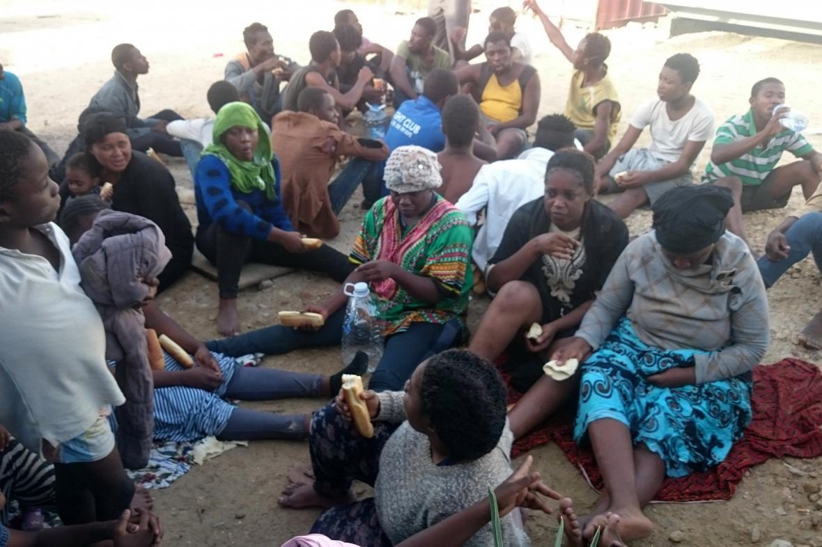 Uprchlíci zachránění libyjskou pobřezní stráží