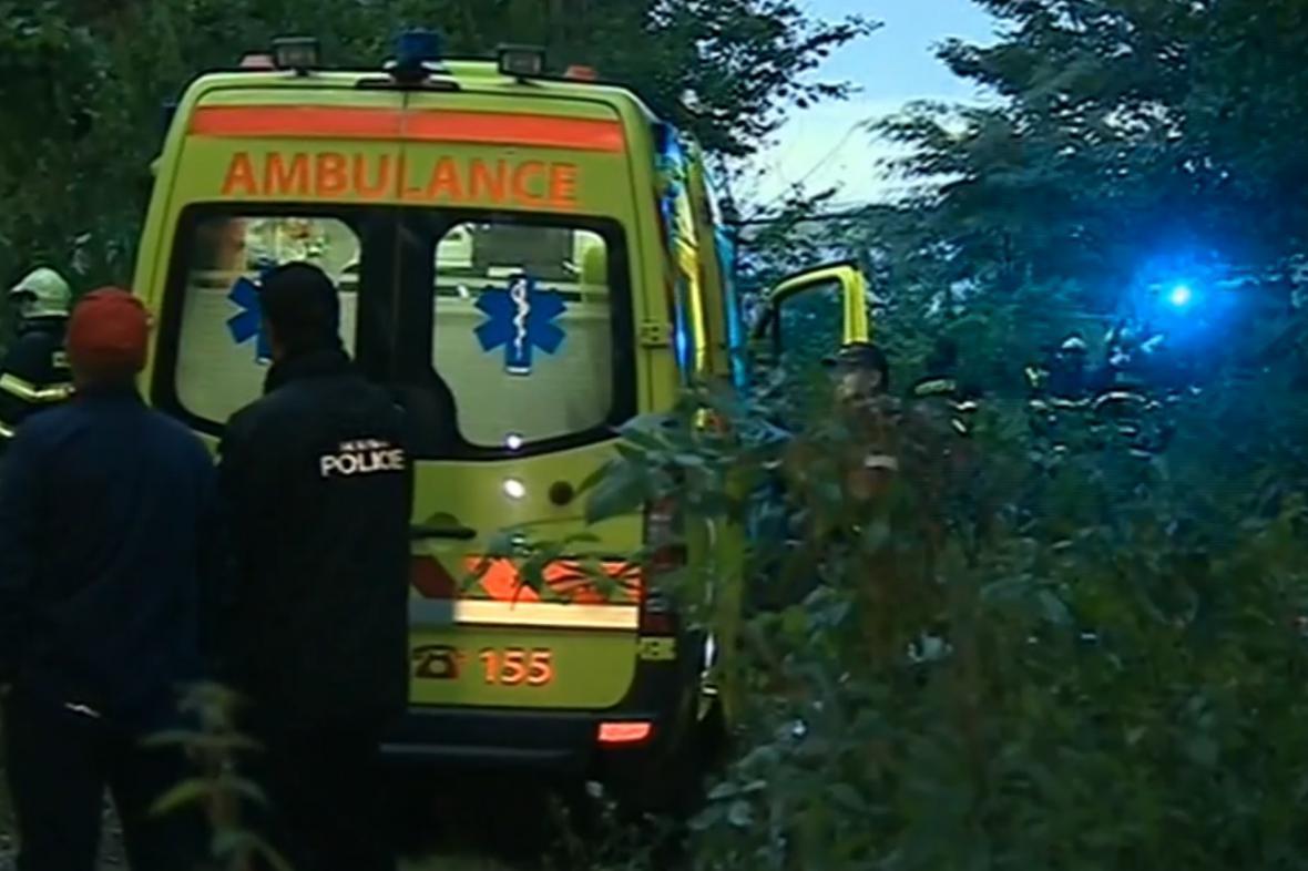 Záchranáři vyprošťovali dva chlapce z opuštěného domu