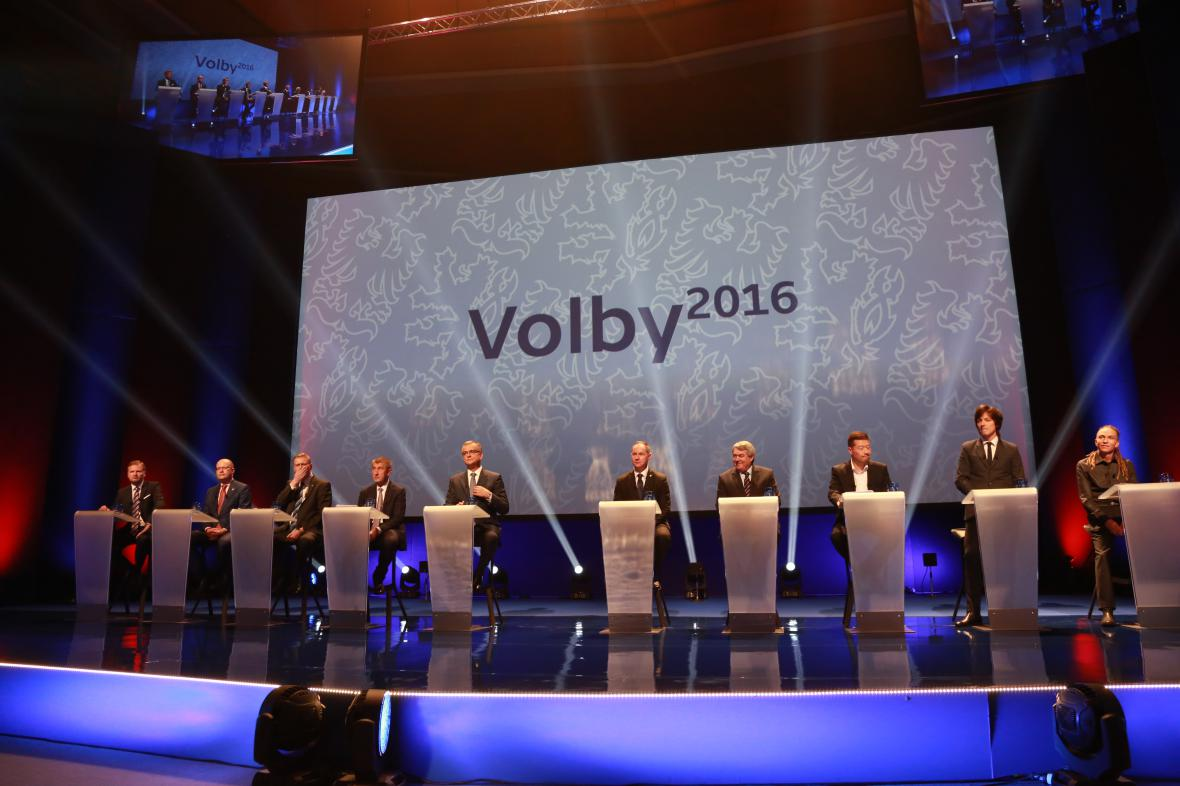 Superdebaty se zúčastnili lídři deseti politických uskupení