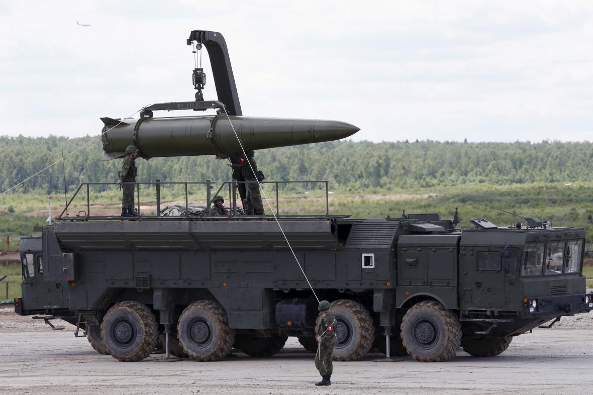 Nakládání rakety Iskander