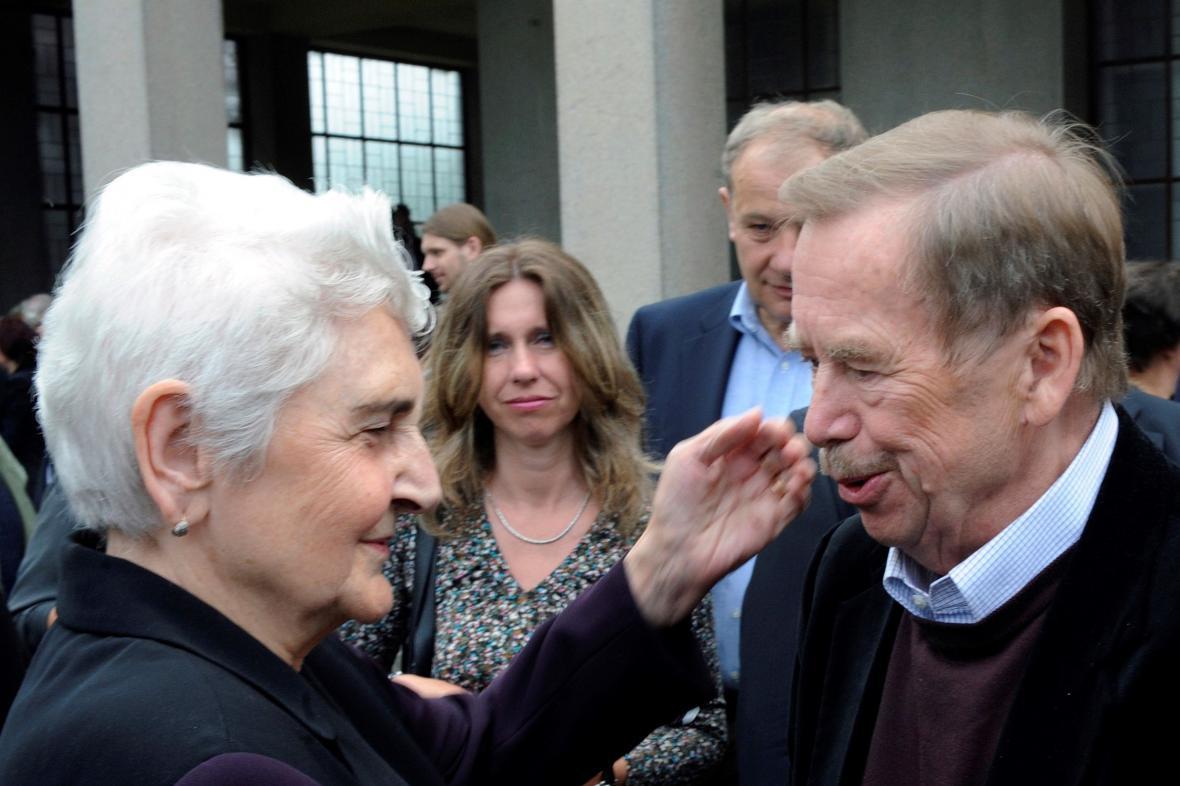 Libuše Šilhánová s Václavem Havlem v roce 2009
