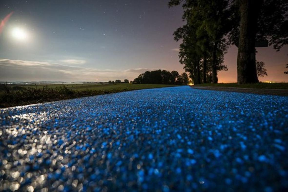 Svítící cyklostezka v Polsku