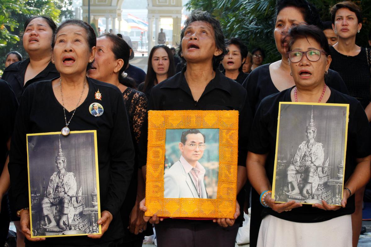 Thajci truchlí za svého krále
