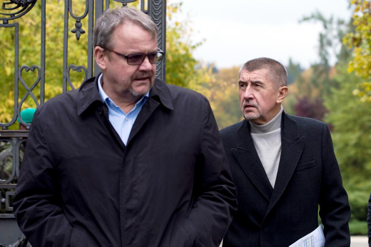 Ministři Dan Ťok a Andrej Babiš na zámku v Lánech