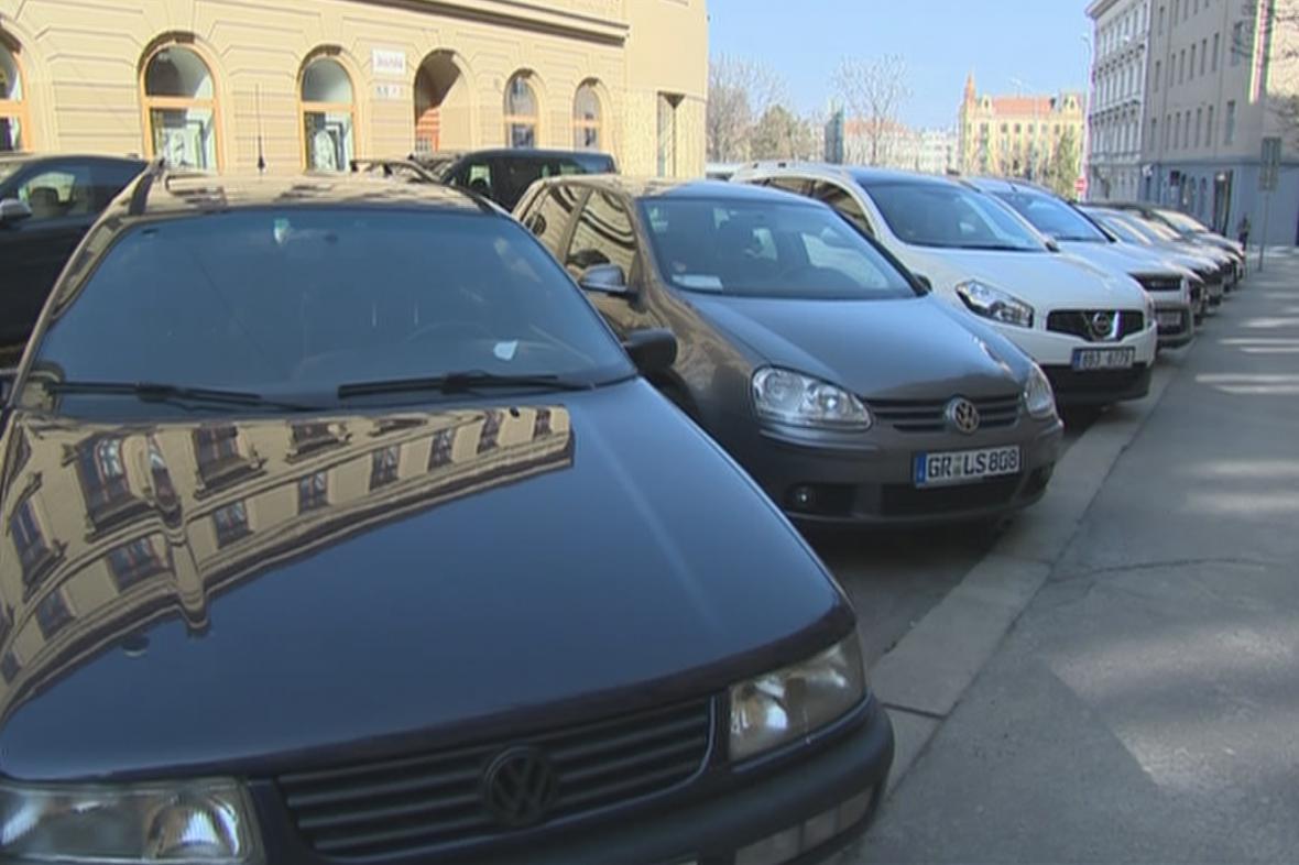 Nový parkovací systém v Brně odstartuje později