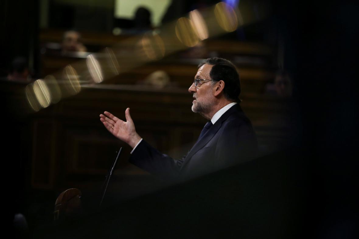 Rajoy získal důvěru parlamentu