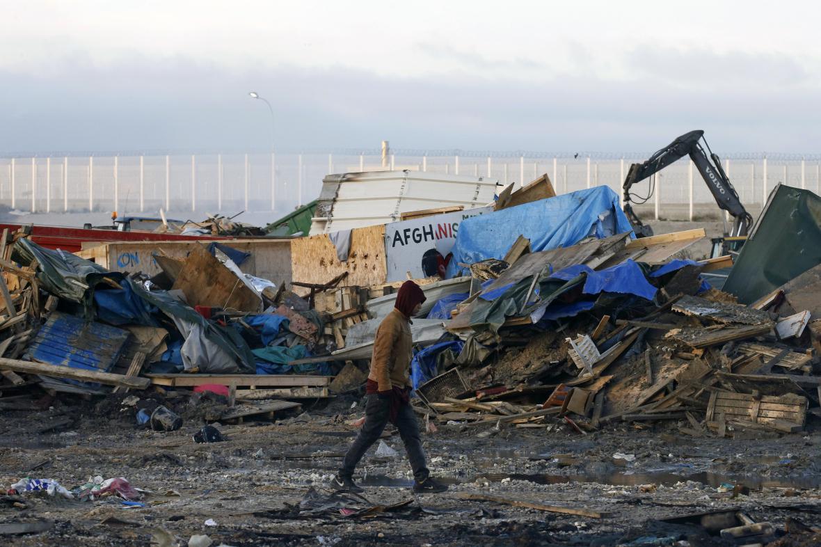 Vyklizený tábor v Calais