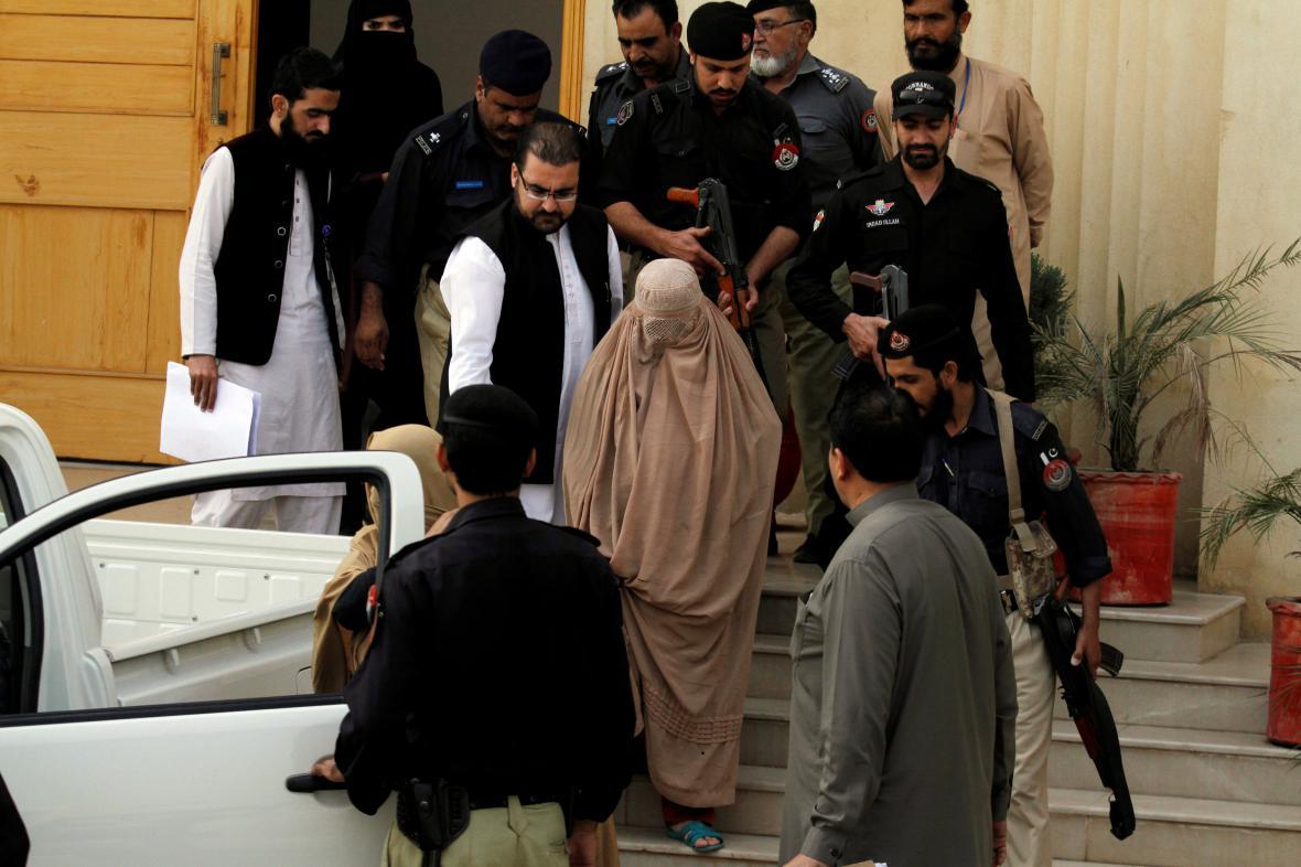 Šarbat Gulaová odchází od pákistánského soudu