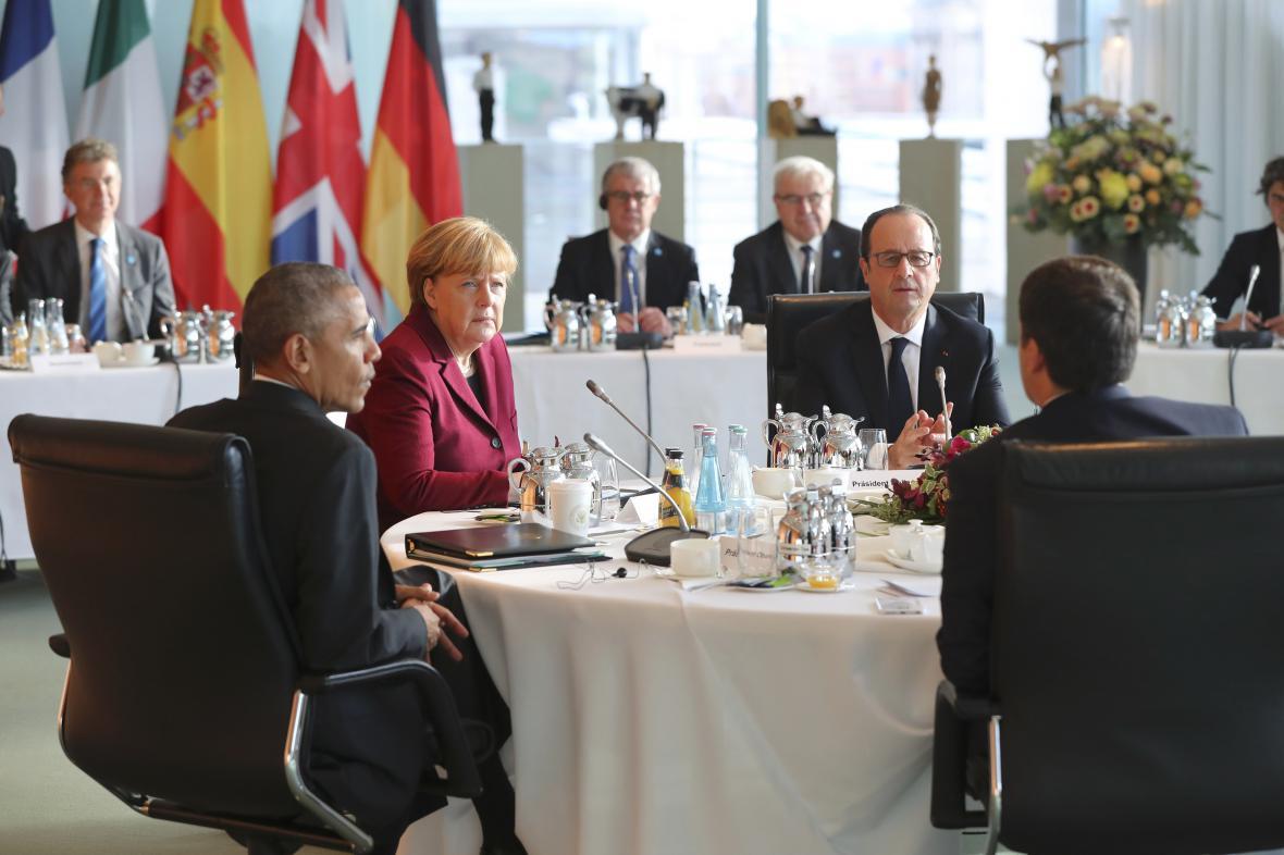 Berlínská schůzka Obamy, Merkelové, Renziho a Hollanda