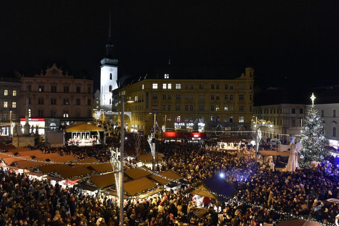 Každý rok navštíví vánoční trhy v Brně stovky tisíc lidí