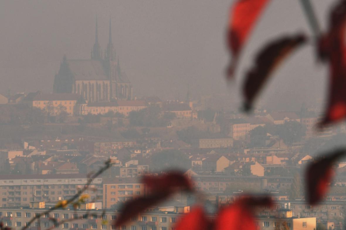 Ilustrační fotografie - Brno zahalené do smogu