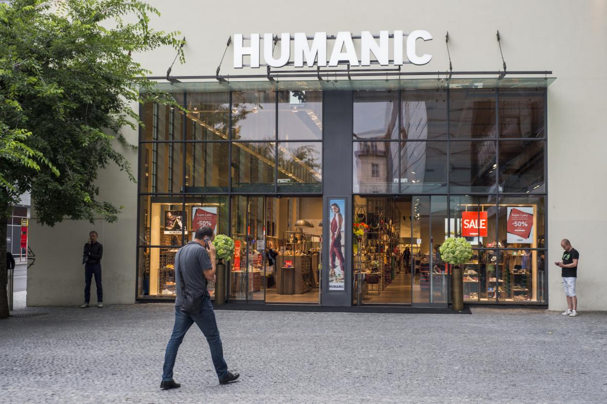 Prodejna obuvi Humanic v Praze na Andělu