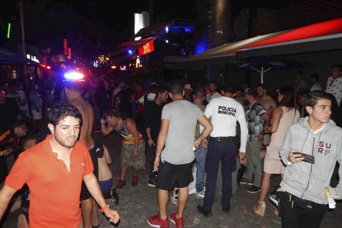 Místo střelby před mexickým nočním klubem