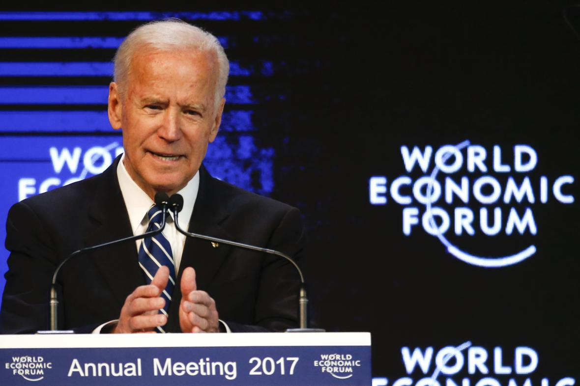 Joe Biden na ekonomickém foru