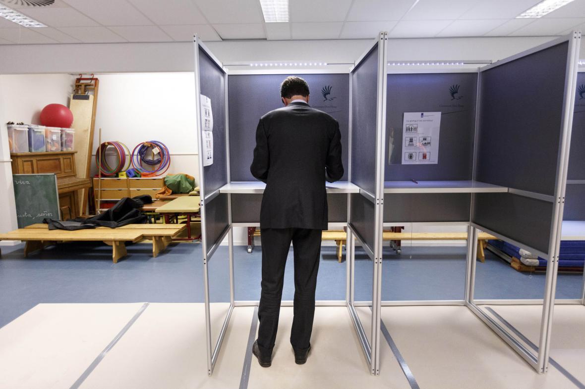 Nizozemsko čekají v březnu parlamentní volby